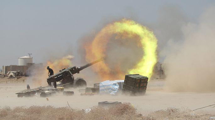 القوات العراقية تدخل بلدة القيارة وسط قلق من نزوح غير مسبوق