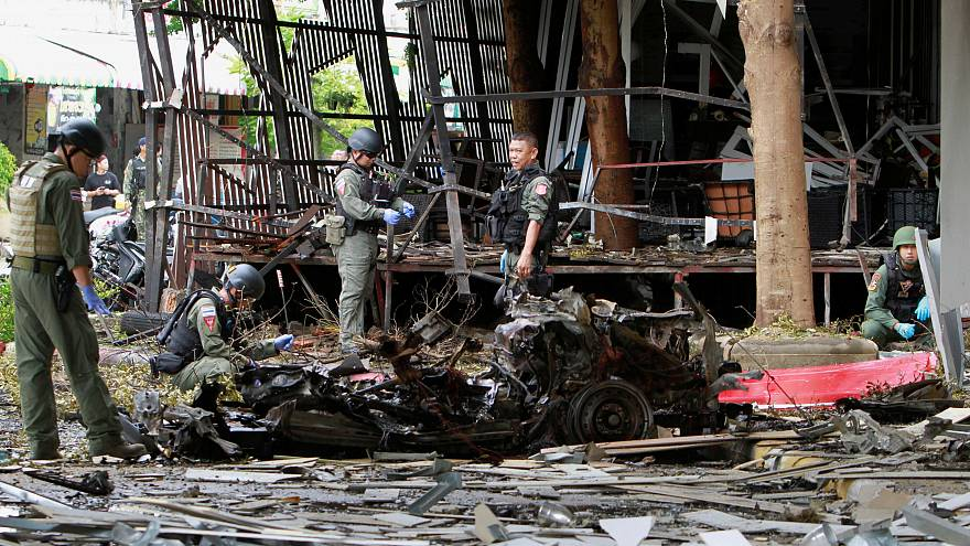 Double bomb blasts in Thailand kill one person and injure 30 others