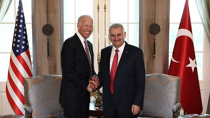 ظلال الانقلاب الفاشل تخيم على زيارة بايدن إلى تركيا
