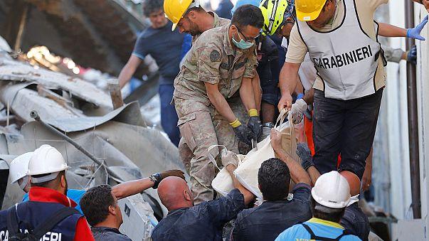 Aumenta a 120 las víctimas del terremoto en el centro de Italia