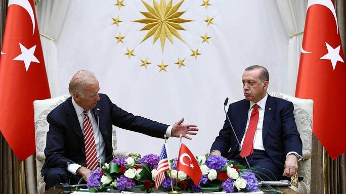 ملف غولن يطغى على زيارة بايدن لتركيا