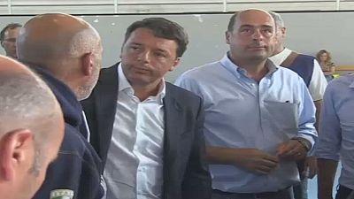 Italie : Matteo Renzi visite la zone touchée par le séisme