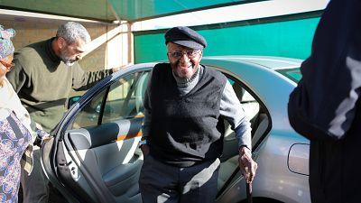 Afrique du Sud : Desmond Tutu à nouveau hospitalisé pour une infection