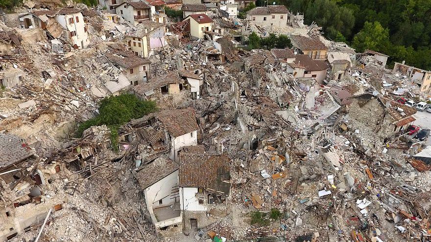 Pescara del Tronto: Localização dificulta trabalho dos socorristas