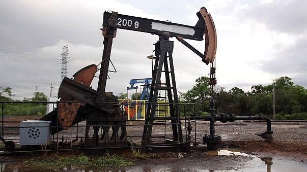 Petrolio, fine della speculazione prezzi in ribasso