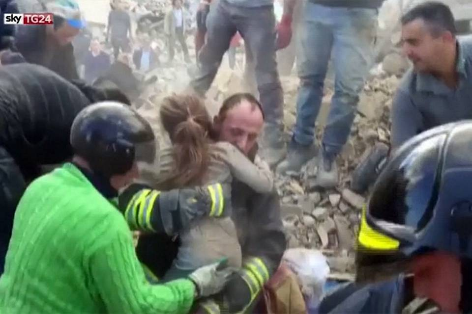Italy earthquake: a tale of hope amid a rising death toll