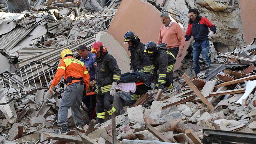 إيطاليا: تواصل عمليات الإنقاذ والتكفل بالمنكوبين