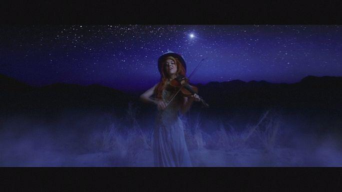 Lindsey Stirling yeni albümü Brave Enough ile dikkatleri üzerine çekti
