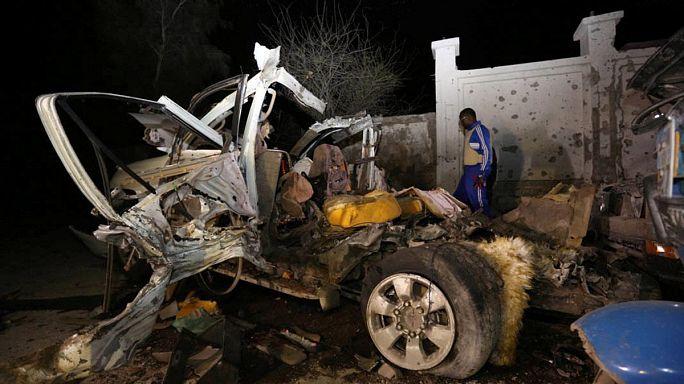 Étteremnél robbantott az al-Sabab Mogadishuban