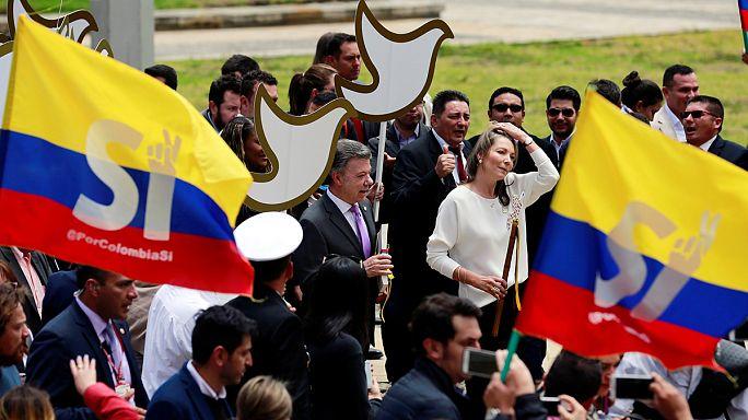 """كولومبيا: إتفاق تاريخي بين الحكومة الكولومبية و قوات """"فارك"""" يضع حداً لنصف قرن من الحرب الأهلية"""