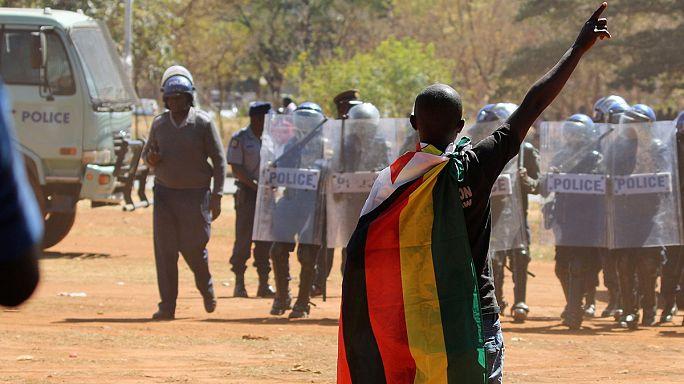 Gran manifestación en Zimbabue en contra del presidente del país
