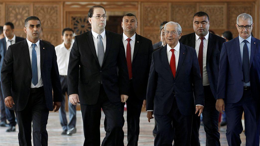 Парламент Туниса вынес вотум доверия новому правительству
