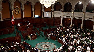 Le gouvernement tunisien obtient la confiance du Parlement