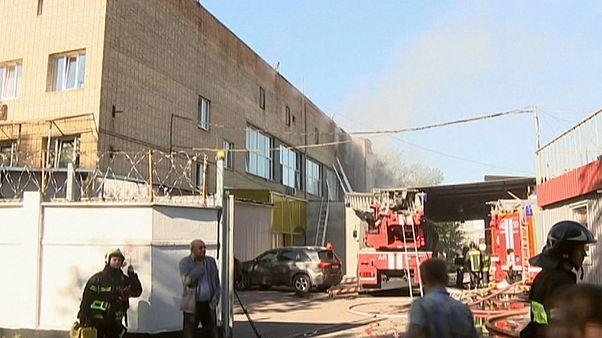 مرگ ۱۷ کارگر در آتش سوزی انبار در روسیه