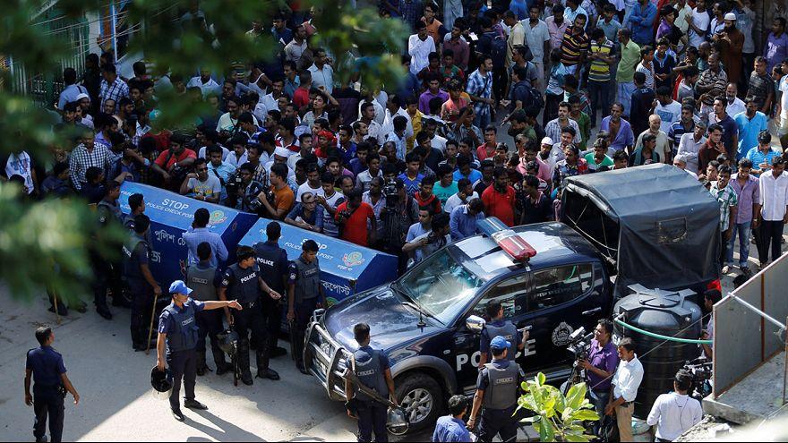 Lelőttek három szélsőséges iszlamistát Bangladesben