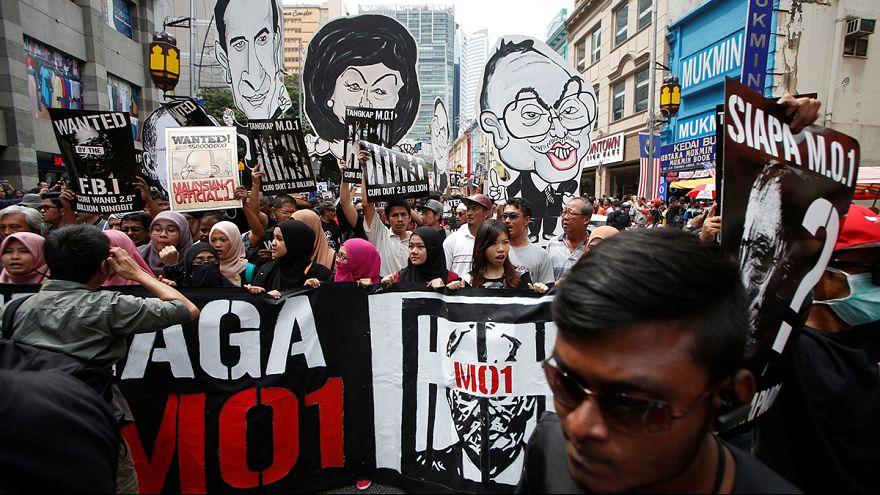 Multitudinaria protesta en Kuala Lumpur para pedir la dimisión del primer ministro malasio