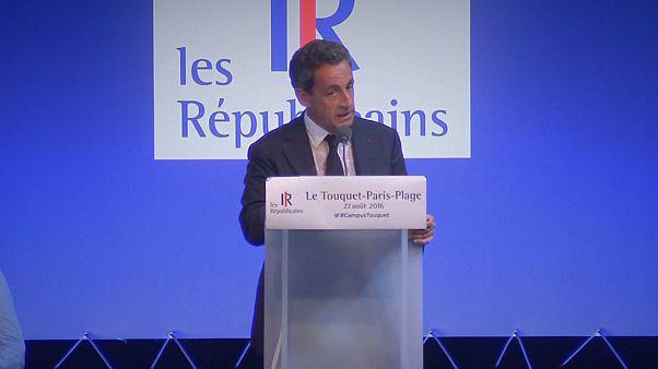 Francia: Sarkozy se envuelve en la bandera del laicismo frente al burkini