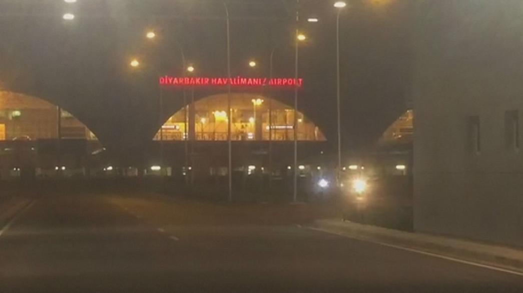 Турция: курдские боевики обстреляли аэропорт Диярбакыр