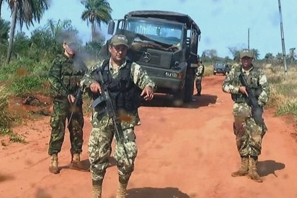 Eight soldiers killed in Paraguay by suspected rebel group