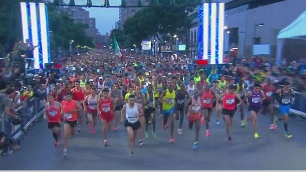 Мнонгат и Лобачевская победили на марафоне в Мехико