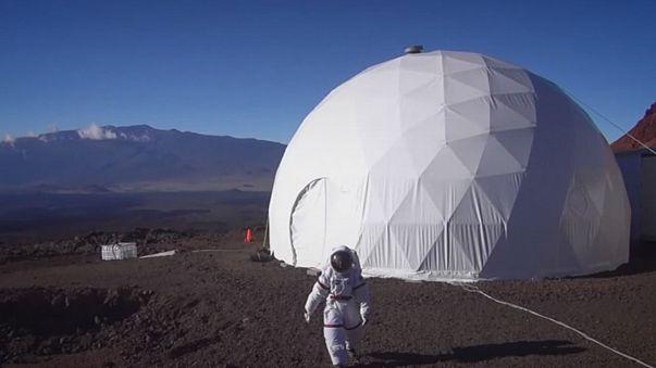 """""""Tornati da Marte"""" dopo 1 anno d'isolamento sperimentale. Alle Hawaii"""