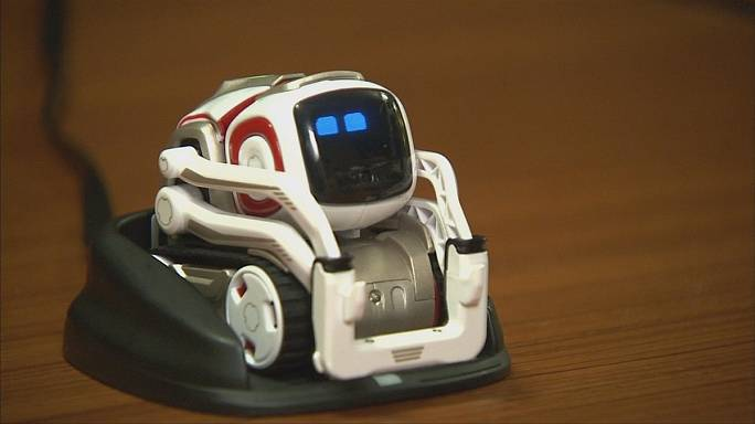 Робот Козмо - домашний любимец с искусственным интеллектом