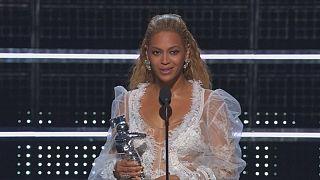 New York - Trionfo di Beyonce' agli MTV