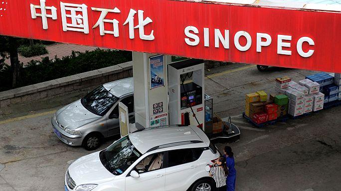 Petrolio: utile netto della cinese Sinopec in calo nel primo semestre