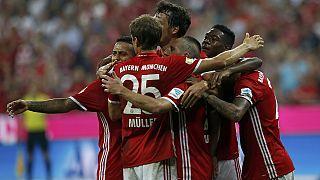 Mudança de treinador não afeta Bayern, em Inglaterra estreantes dão cartas