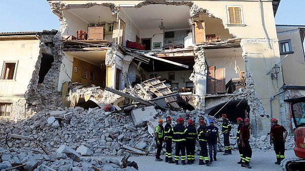Nach dem Erdbeben in Italien werden immer noch weitere Tote gefunden