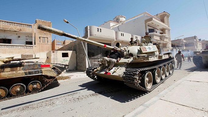 Szirt városát ostromolják a líbiai kormányerők