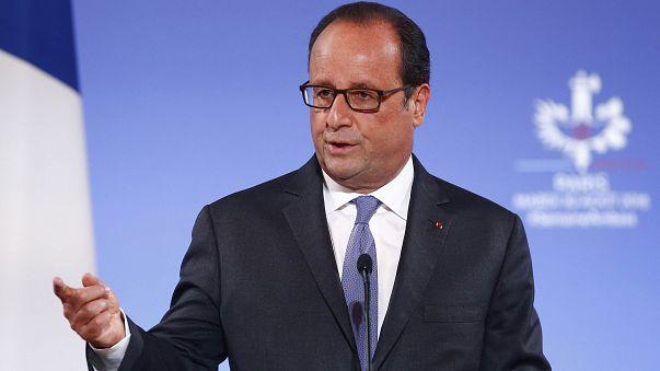 """Hollande: """"Türkiye'nin Suriye'deki müdahaleleri çelişkili"""""""