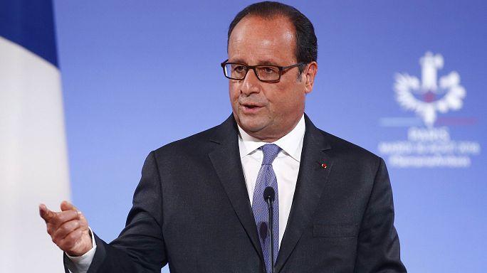 Bírálta a törökök szíriai beavatkozását a francia elnök