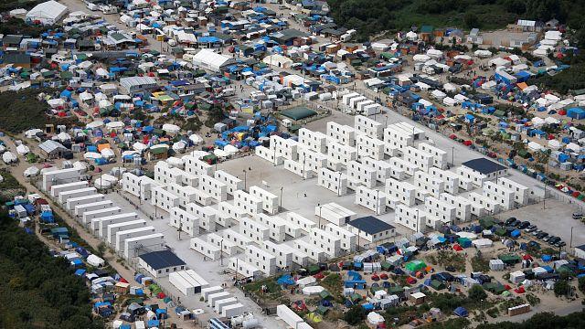 """قصة اتفاقية توكيه من مخيم """"سانغات"""" الى """"ادغال"""" كاليه للاجئين"""