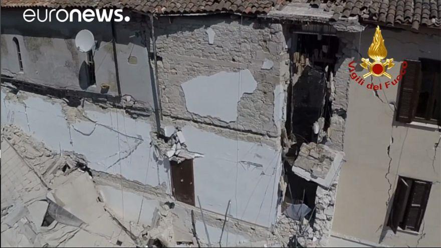 Italie : les dégâts causés par le séisme filmés par un drone