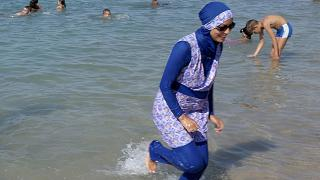 French burkini ban ''stupid reaction'', UN human rights office says