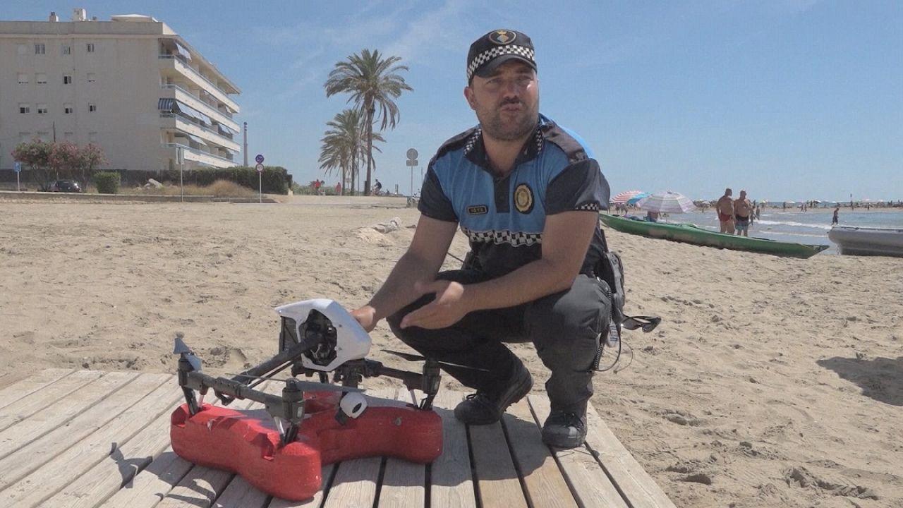 Un dron socorrista en la playa de Cunit