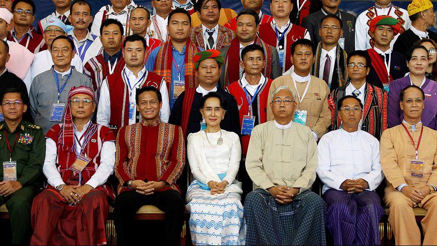Myanmar'da Suu Kyi'den barış mesajı