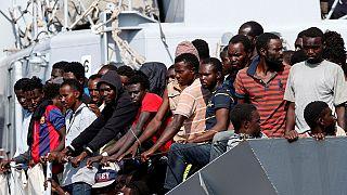 Une centaine de migrants arrêtés au large des côtes libyennes