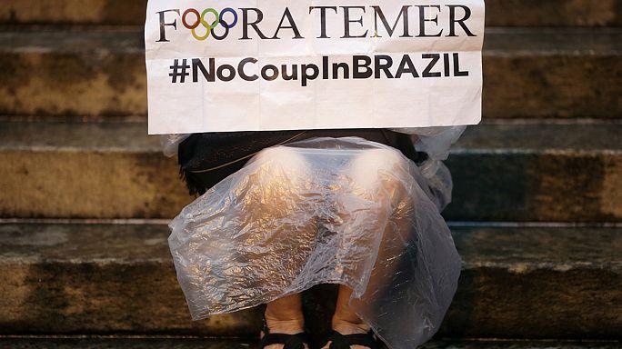 """Бразилия: Темер """"не должен забывать об экономике"""""""