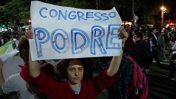 Brasilien: Temer zum Präsidenten vereidigt, Rousseff kündigt anhaltenden Widerstand an