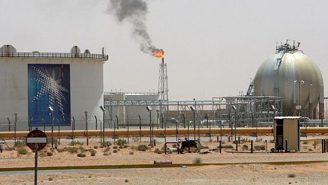 Саудовская Аравия думает о сокращении добычи нефти