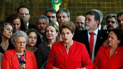 """Brésil : destituée, Rousseff fustige un """"coup d'État"""""""