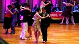 Dos parejas de argentinos arrasan en el Mundial de Tango