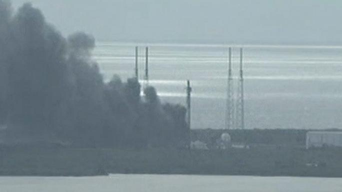 """انفجار صاروخ تابع لشركة """"سبايس إكس"""" الخاصة خلال إطلاقه"""