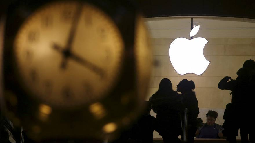 Brussels and Apple trade claims over Irish tax row