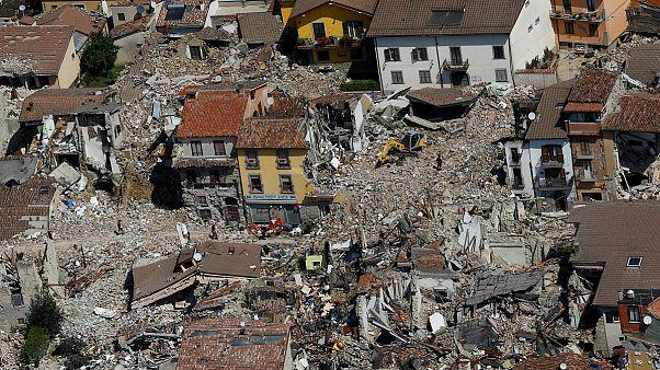 Italy plans rebuild of quake-hit towns