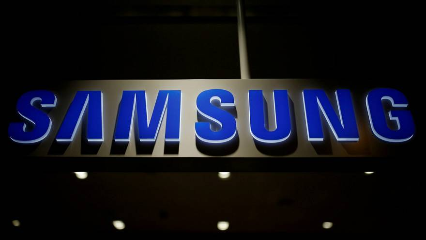 Samsung hit by exploding phone battery problem