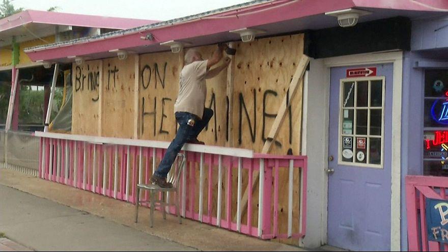 Florida se prepara para la llegada del huracán Hermine
