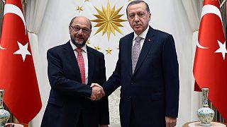 Turchia-UE: Schulz ad Ankara, restano le divergenze sui visti
